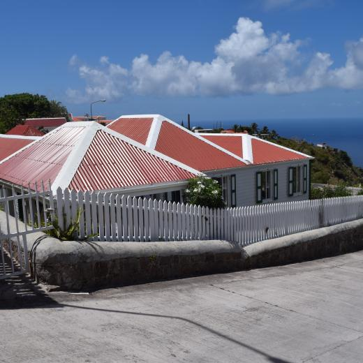 Thais Hill Cottage - Saba Island Premier Properties